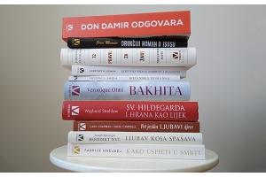 """Velika knjiga pitanja i odgovora """"Don Damir odgovara"""" Damira Stojića i dalje na vrhu Verbumove top ljestvice"""