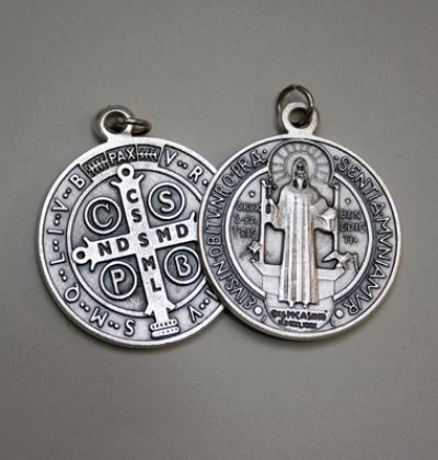 Medaljica svetog Benedikta - 47 mm