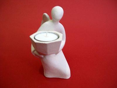 Anđeo klanjatelj - keramički svijećnjak (13,5 cm)