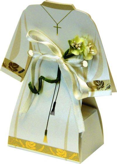 Krunica u kutiji u obliku prvopričesničke haljine