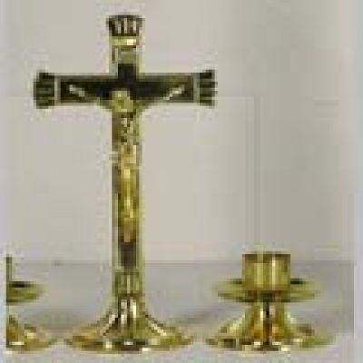 Križ s postoljem - 22 cm