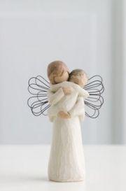 Anđeo Willow Tree - Angel's Embrace