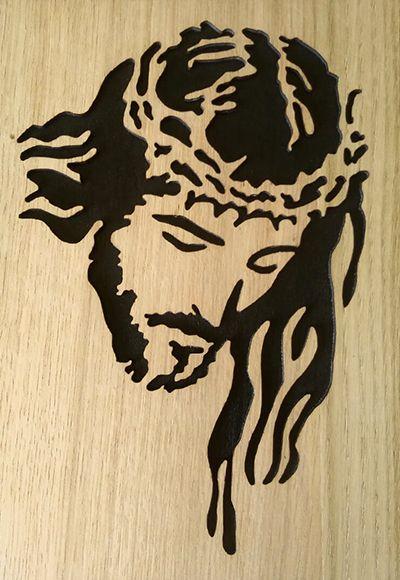 Slika Krista u drvu