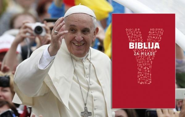 """Predstavljena """"Biblija za mlade"""" - prva Biblija s predgovorom pape Franje"""